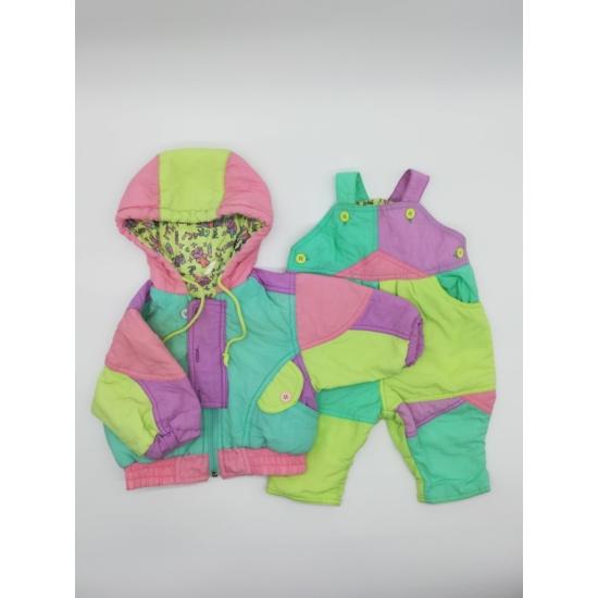 Színes kabát + kantáros nadrág szett