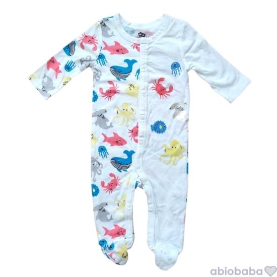 Fehér alapon színes mintás baba pizsama SEA WORLD